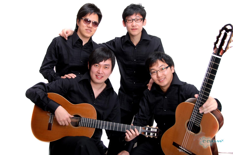 转贴:中间音乐学院志•龙古典吉他乐团美国再放异彩